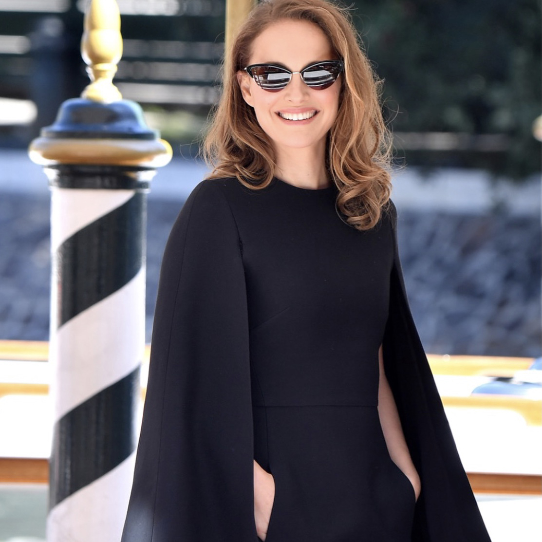 19097021448a NATALIE PORTMAN WEARING KATE YOUNG FOR TURA K504 ALLY